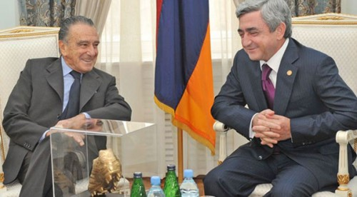 Eurnekian con Sargsyan.jpg