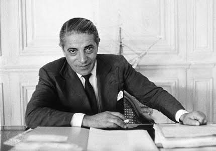 Ari Onassis bureau.jpg