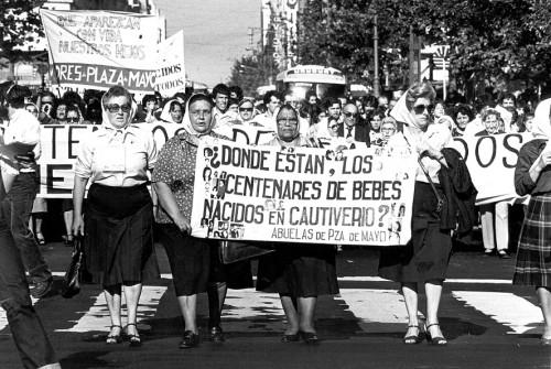 Abuelas Plaza de Mayo.jpg