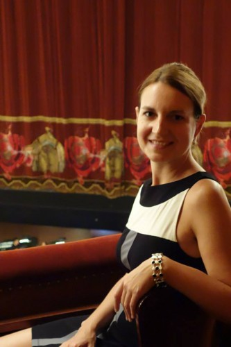 Kathrin au Teatro Colon.jpg