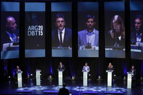 Débat présidentiel sans Scioli.jpg