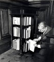 Borges Bibliothèque.jpg