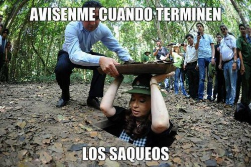 CFK saqueos ironico.jpg